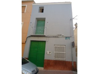 House › Caudete | 4 Bedrooms