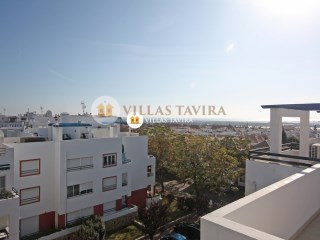 Top floor two bedroom/two bathroom apartment with a private underground parking space and terrace. | 2 Bedrooms | 2WC