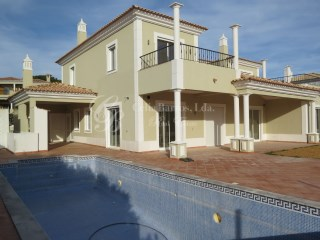 Excellent  four bedroom Villa | 4 Bedrooms | 4WC