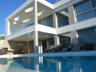 Magnificent 5 bedroom villa is situated in Vale do Lobo with sea views | 6 Pièces