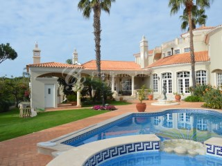 Fantastic 5+2 bedroom villa with golf view in Quinta do Lago | 5 Bedrooms + 2 Interior Bedrooms | 7WC