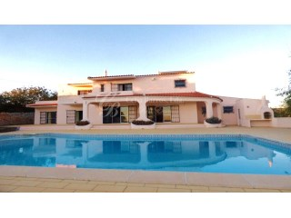 Impressive 5 Bedroom Villa with Pool and stunning sea views | 6 Bedrooms | 6WC