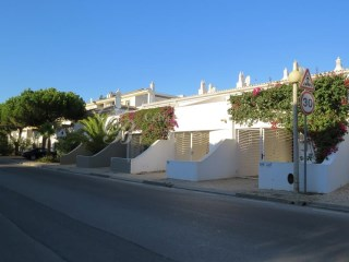 Long Term Rental Fabulous Beach Townhouse | 2 Bedrooms | 3WC