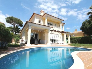 Villa in Vilamoura, close to the beach, with 4 bedrooms and pool | 4 Bedrooms | 5WC