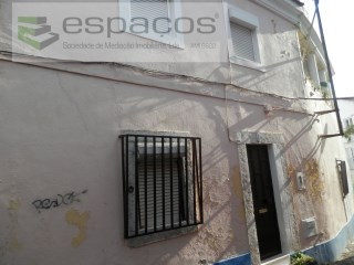 House › Loures | 5 Bedrooms | 1WC