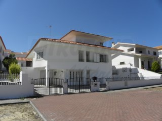 House › Santiago do Cacém | 5 Bedrooms | 4WC