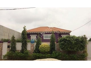 House › Belas | 4 Bedrooms | 1WC