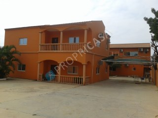 House › Belas | 5 Bedrooms | 2WC