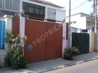 House › Luanda | 4 Bedrooms | 1WC
