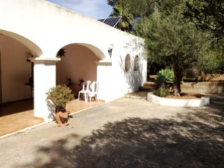 VILLA WITH SWIMMING POOL | 3 Bedrooms | 2WC