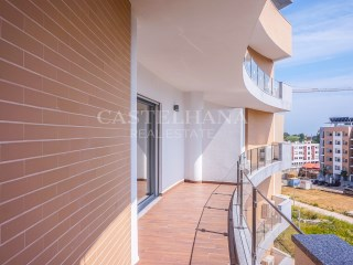 Apartment 4 Bedrooms › Carcavelos e Parede