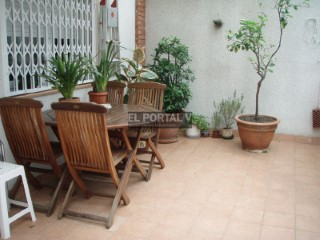 Canet de Mar, Calle Lluís domènech i Montaner, central location with a terrace. with PK. and storage | 2 Bedrooms | 1WC