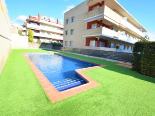 Canet de Mar, holiday homes with swimming pool, close to the sea. | 3 Bedrooms | 2WC