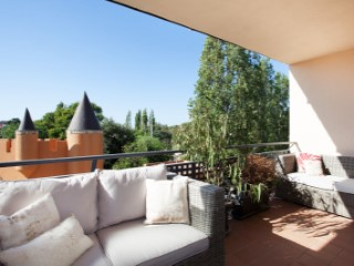 Nice floor with big terrace of 11 m 2, kitchen of high quality refurbished and elevator.  | 2 Bedrooms | 2WC