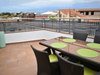 Nice floor exterior decorated with modern charm and design, the property has 55 m2 more terrace of 25 m2 private use  | 2 Bedrooms | 1WC