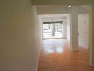Rental of premises with kitchen, cellar, attic close to all amenities. |