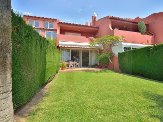 Magnificent townhouse with the comfort and facilities of a villa a step of Torrequebrada golf Course. | 4 Pièces | 2WC