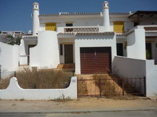 Semi-Detached House 3 Bedrooms › Quarteira