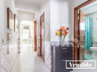 Live in the center of the Pinhal Novo. | 2 Bedrooms | 1WC