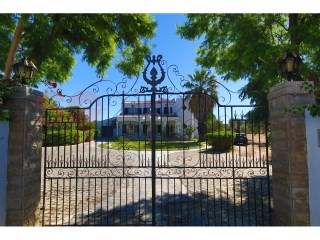 Imposing property in the center of Loulé.  | 5 Bedrooms