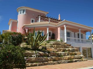 Very spacious well built 4 bed villa with pool | 4 Bedrooms | 5WC