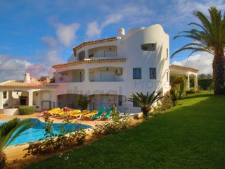 Substantial nine bedroom villa with pool in quiet location.  The property also has a totally independant annexe. | 9 Bedrooms | 4WC