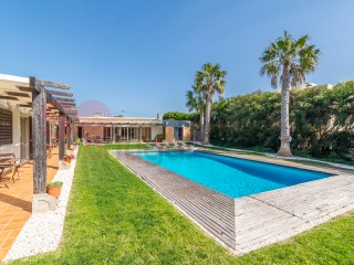 Beautiful, architect designed L shaped villa with pool set in grounds of 2400 m2.  Generous living areas, four bedrooms, three bathrooms.  Guaranteed peace and seclusion. 