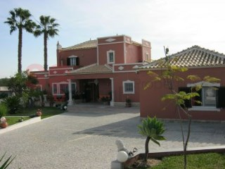 Superb golf side three bedroom villa with pool.  Totally refurbished. | 5 Bedrooms