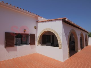 Three bedroom villa with pool in a quiet area with countryside views | 3 Bedrooms | 2WC
