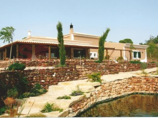 Villa with pool.  Four bedrooms, large plot and sweeping sea and countryside views. | 4 Bedrooms | 4WC