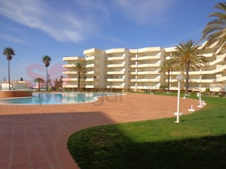 Two bedroom apartment with communal pool ideally situated only five minutes on foot from the beach at Galé. | 2 Zimmer | 2WC