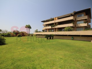 EXCLUSIVE Vilamoura, luxurious top floor apartment , 205 m2, 3 bedrooms, 3 bathrooms.  Communal pools. | 3 Zimmer | 3WC