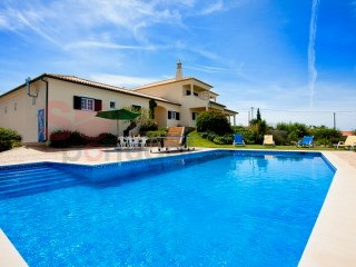 Fantastic five bedroom detached villa with lovely pool | 5 Bedrooms | 4WC