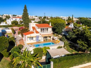 Excellent five bedroom villa with pool and self contained annexe.  Spectacular sea views, walking distance to beach and clifftop paths. | 5 Zimmer | 4WC