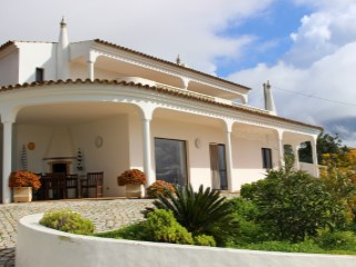3 BEDROOMS VILLA – AZINHEIRO - ESTOI  | 3 Bedrooms | 4WC