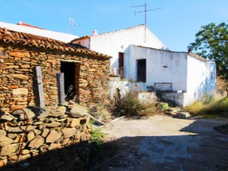 COUNTRY HOUSE AND RUINS – ESTORNINHOS - TAVIRA |