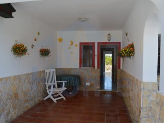 A spacious and comfortable house on the edge of the town Altura in the Eastern Algarve. | 3 Bedrooms | 3WC