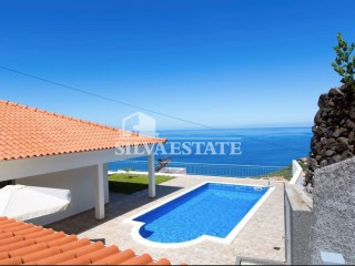 Luxury Villa with swimming pool | 3 Bedrooms | 4WC