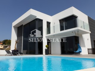 Luxury 3 bedrooms villa with swimming pool | 3 Bedrooms