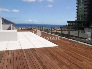 3 bedrooms Penthouse in standing residence, Funchal center | 3 Bedrooms | 3WC