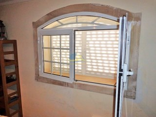 Stone features & Double glazing%10/30