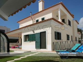 Detached House › Palmela | 5 Bedrooms | 1WC