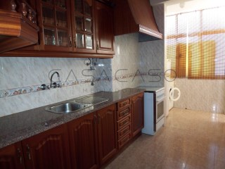 T2 with balcony in Montalvao neighborhood | 2 Bedrooms | 1WC
