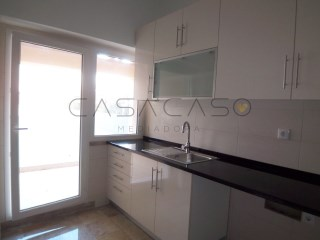 Apartment › Setúbal | 4 Bedrooms | 2WC