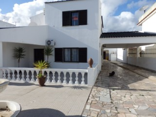 Land with Apartment in Fuseta | 4 Bedrooms | 3WC