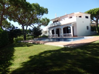 Magnificent Villa T4 on Thursday of the eucalyptus-Montenegro | 4 Bedrooms | 3WC
