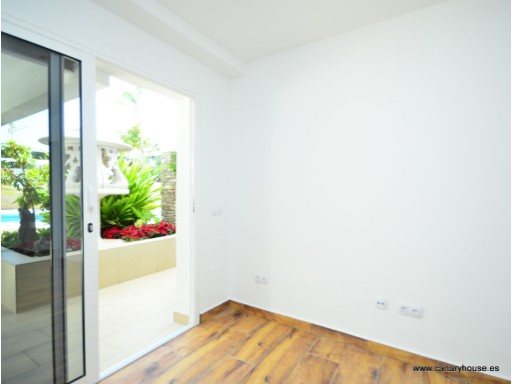 To rent, local two departments in Puerto Rico, Gran Canaria. |