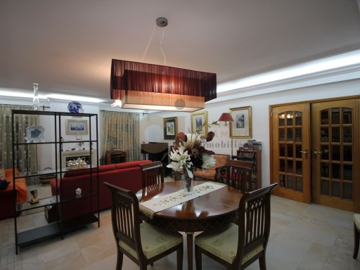 House › Setúbal | 4 Bedrooms | 3WC