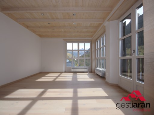 Apartment › Naut Aran | 4 Bedrooms | 4WC