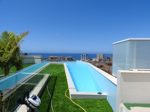 Modern villa with unique design in Playa Paraiso Adeje | 4 Bedrooms